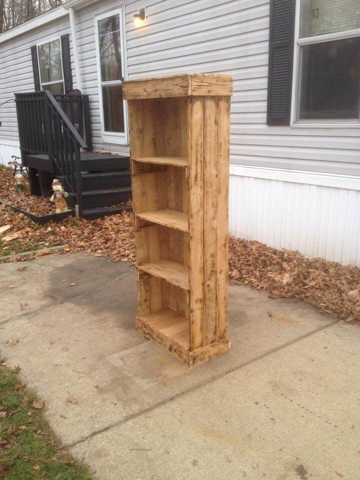 Repurposed pallet shelf tower