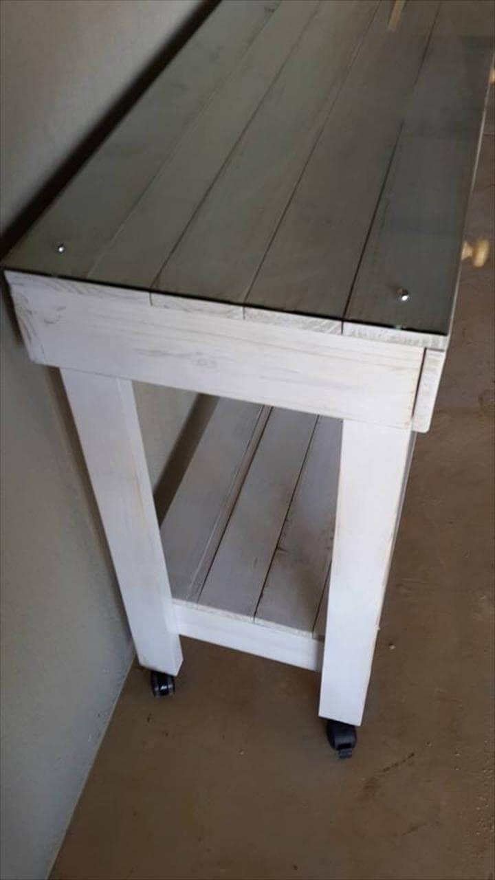 Reclaimed pallet working desk