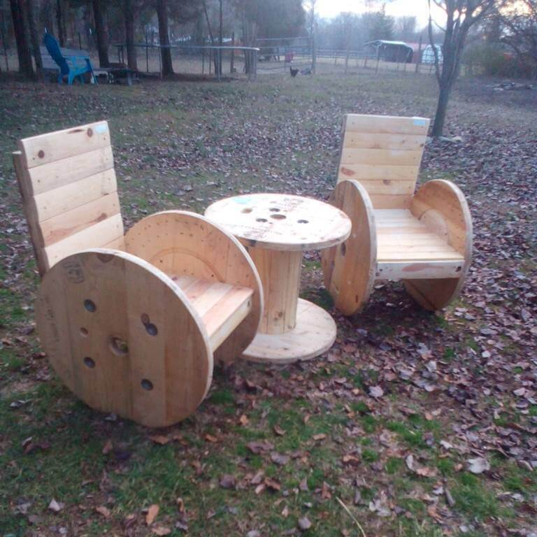 recycled pallet and cable spool patio chair set