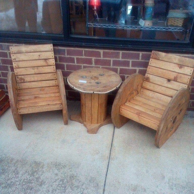 repurposed pallet and cable spool chairs