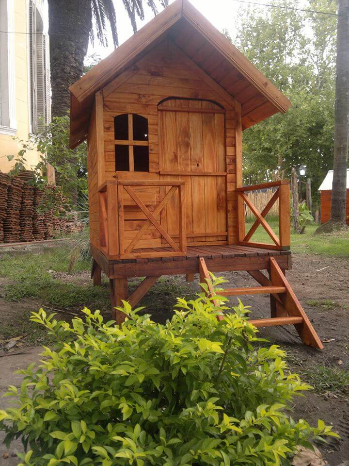 Low-Cost Pallet Playhouse | 99 Pallets