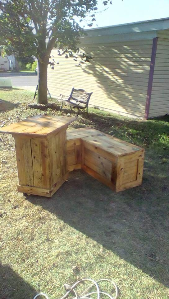 Repurposed pallet sofa and table