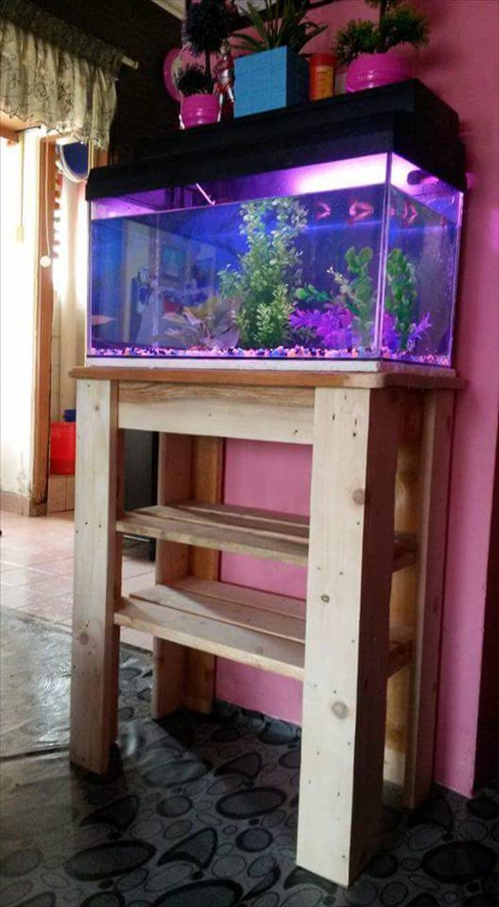 Pallet fish tank stand 99 pallets for Fish tank table stand