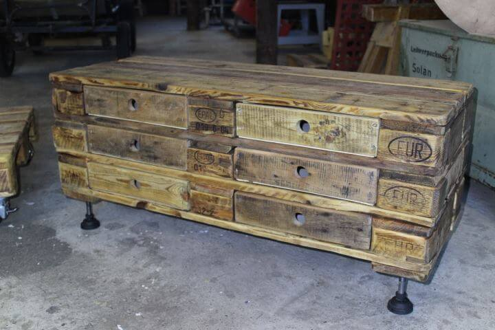 Pallet chest of drawers coffee table 99 pallets for Coffee table chest with drawers