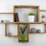 Artistic and Decorative Pallet Shelf Design