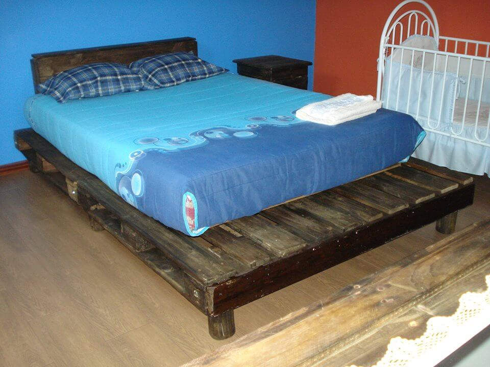 wooden pallet bed in rustic style 99 pallets