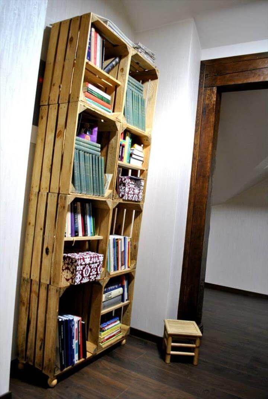 Crate Style Pallet Bookcase Design   99 Pallets