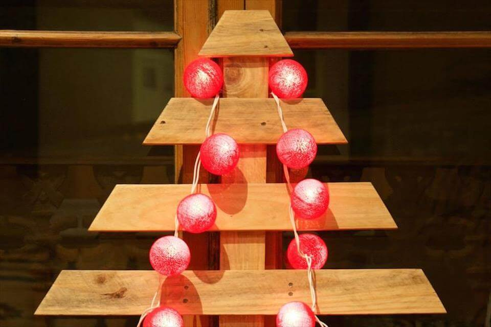 Recycled pallet tree for festive decor