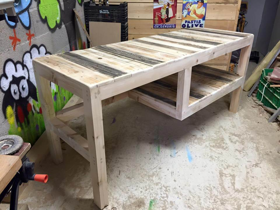 salvaged pallet multipurpose pallet table