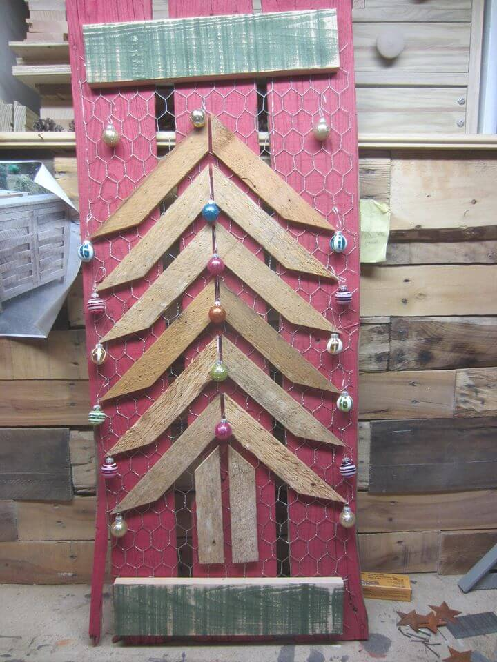 pallet artistic wall hanging piece