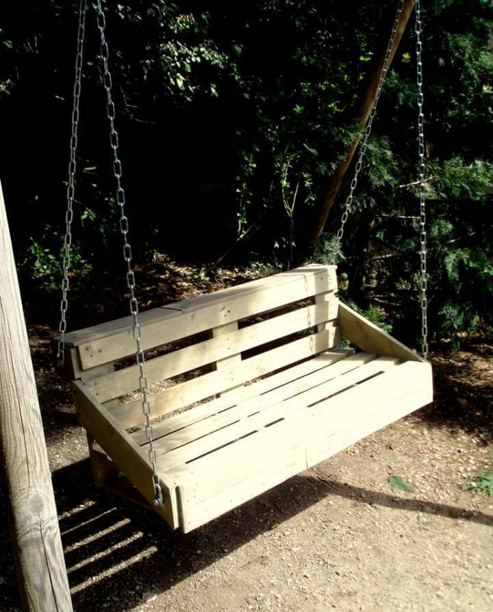 Pallet swing for garden 99 pallets for How to make a pallet porch swing