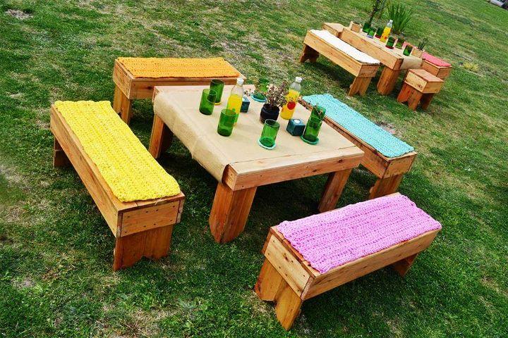 DIY Pallet Garden Seating Set 99 Pallets