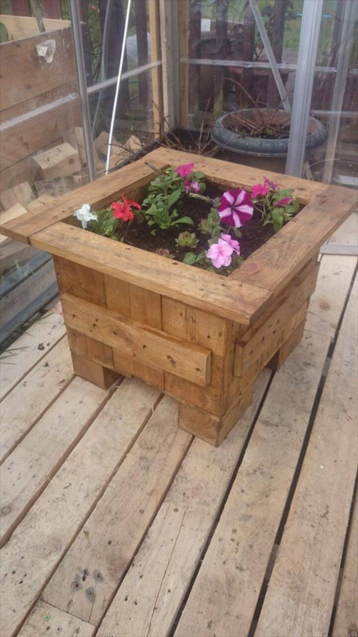 pallet flower planter box 99 pallets. Black Bedroom Furniture Sets. Home Design Ideas