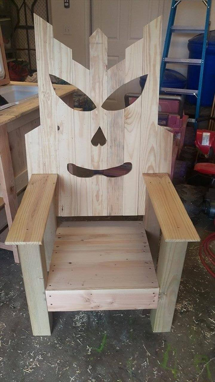 Pallet wood tiki chair 99 pallets for Pallet armchair