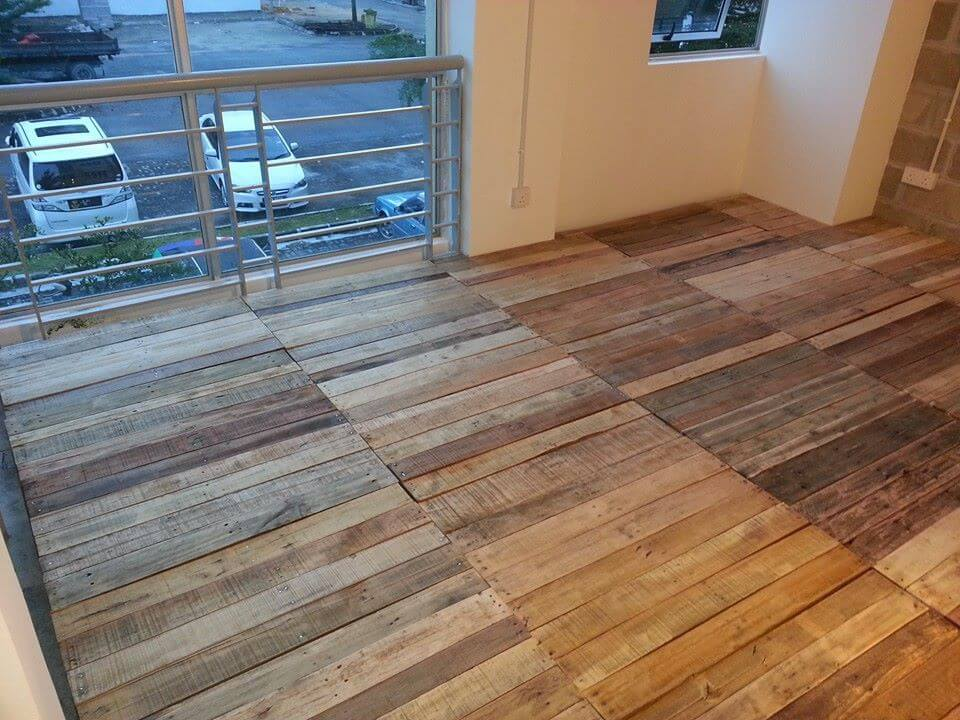 Recycled pallet flooring diy 99 pallets for Recycled hardwood floors