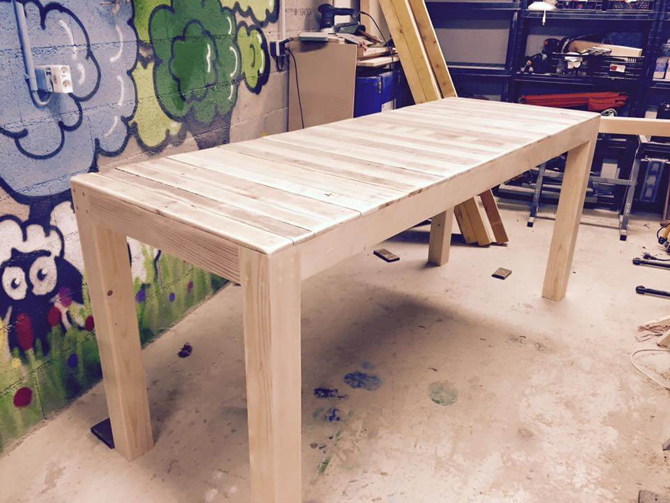 Recycled pallet multi functional table