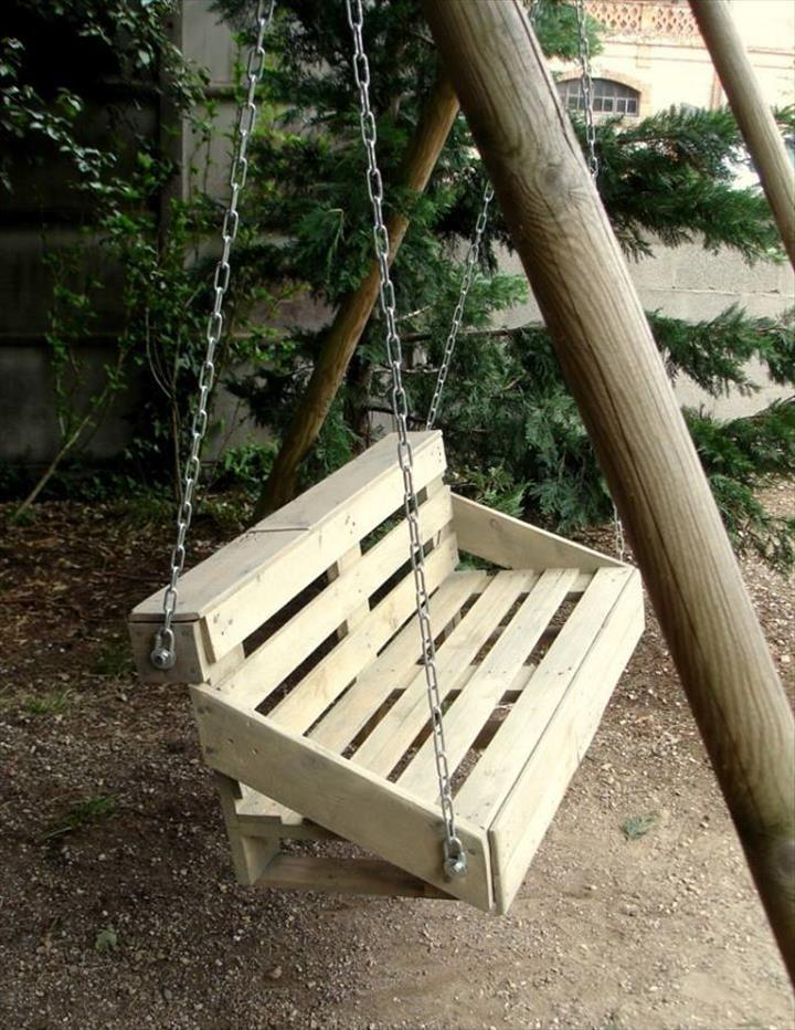 handamde wooden pallet swing