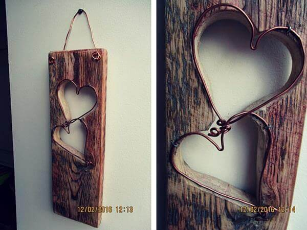 Pallet and Wire Love Wall Art