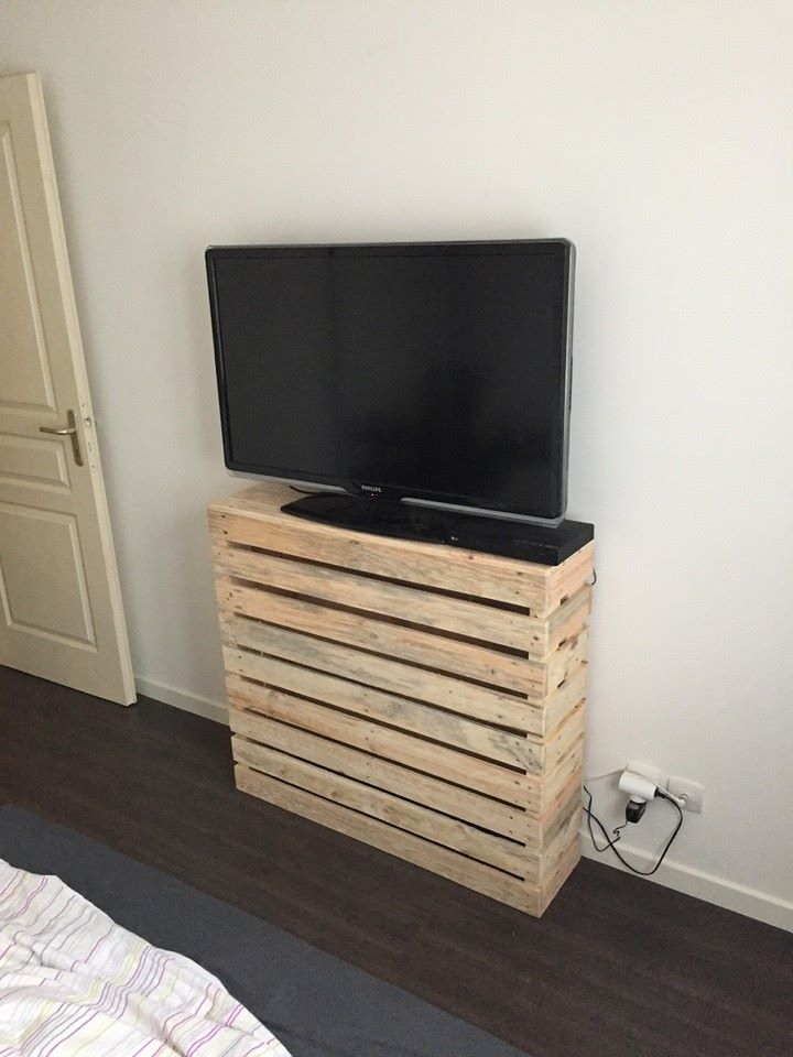 DIY Pallet Custom Bedroom TV Console