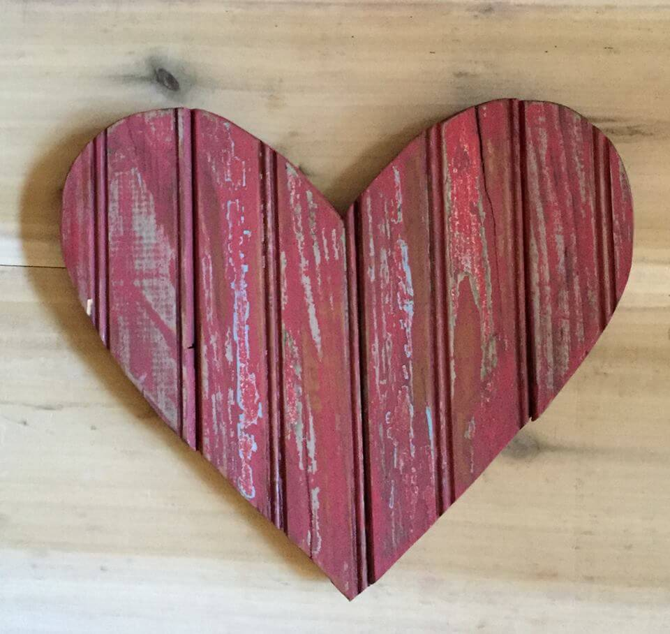 diy pallet heart wall art