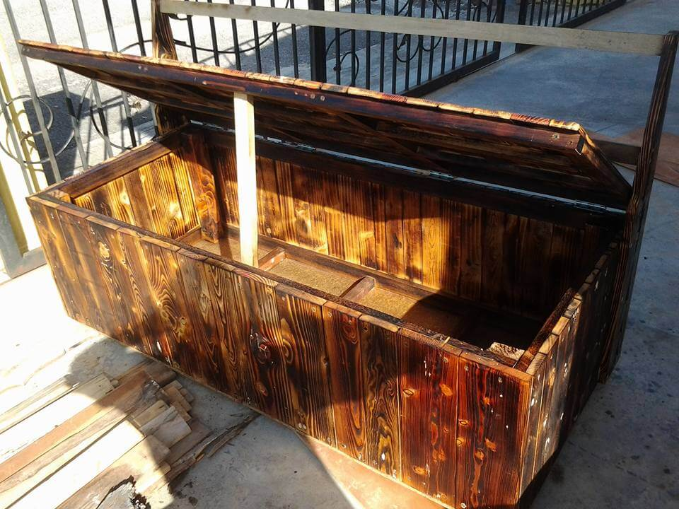 Wooden pallet outdoor bench with storage box
