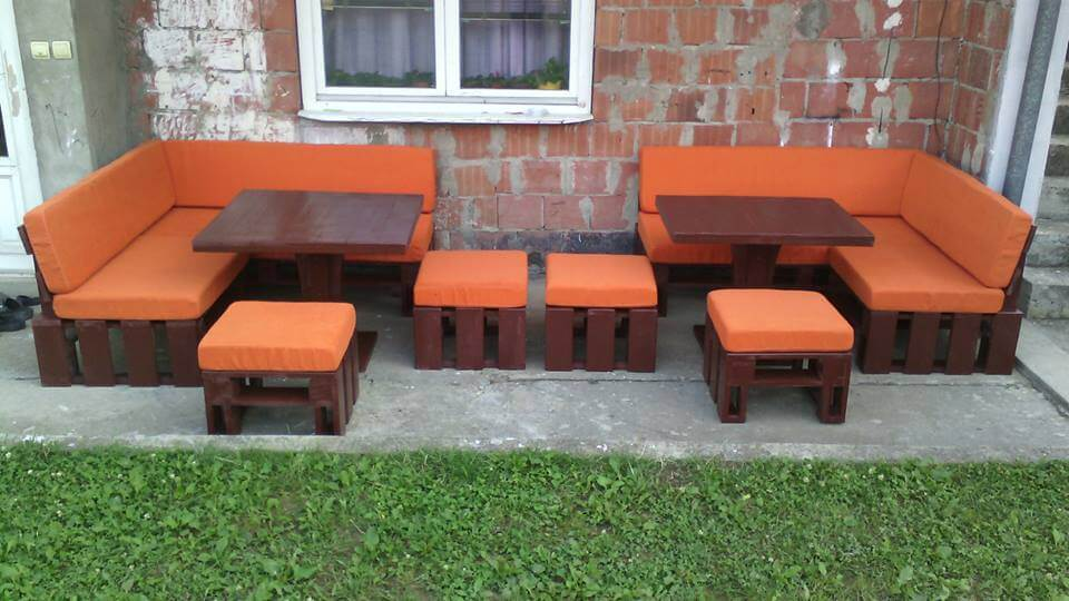 upcycled wooden pallet porch sofa set