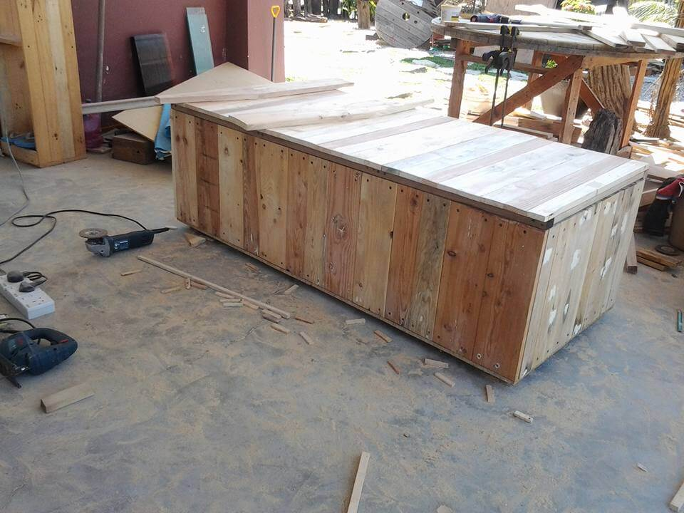 Recycled pallet outdoor bench with storage box