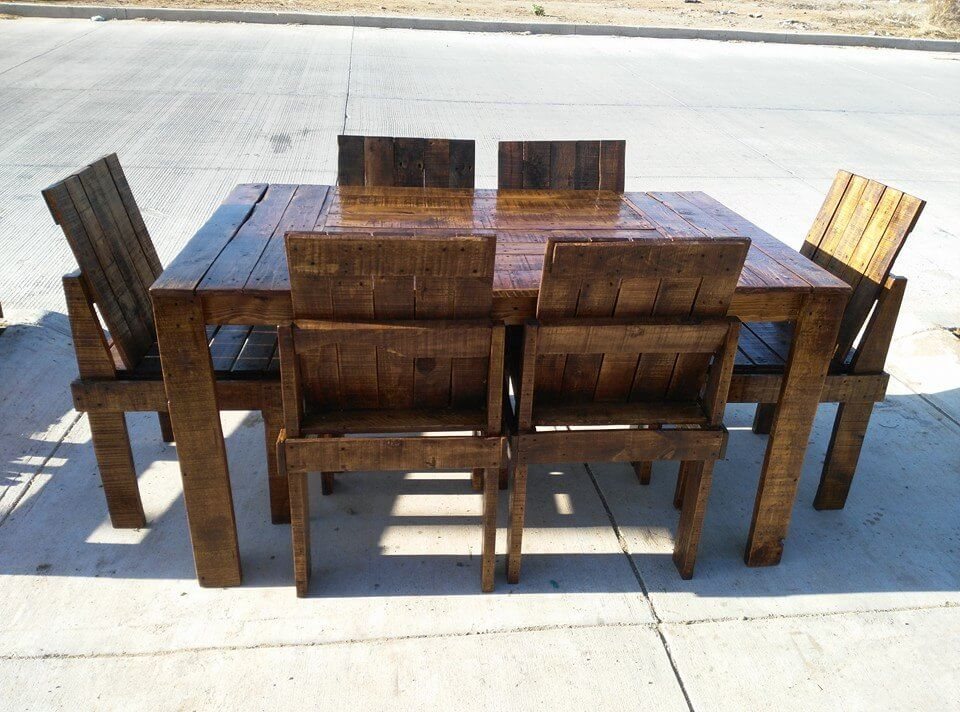 outdoor dining set made of pallets