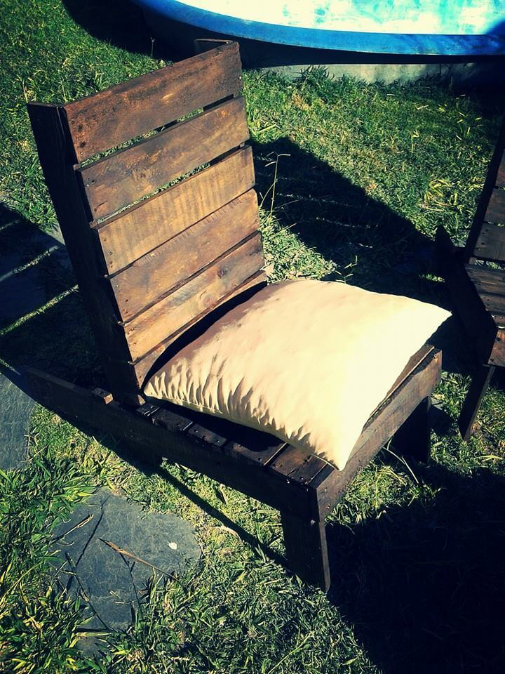 reposed pallet outdoor chair