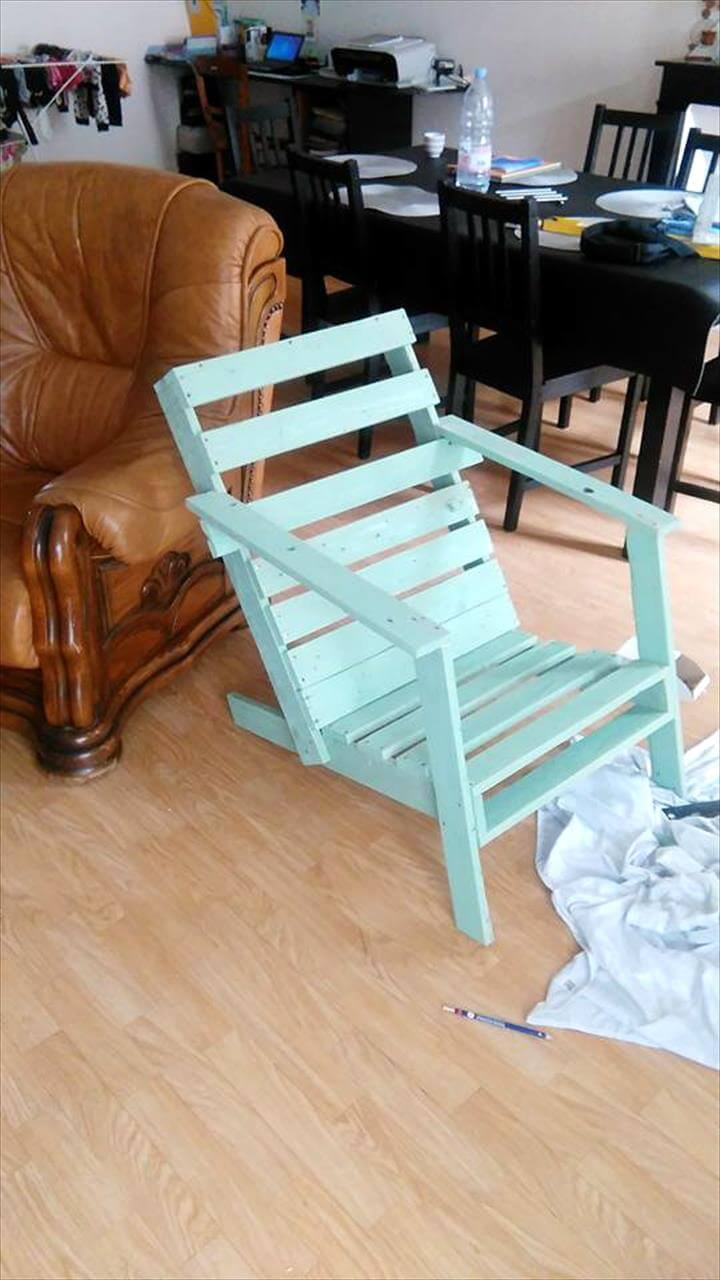 recycled pallet garden chair