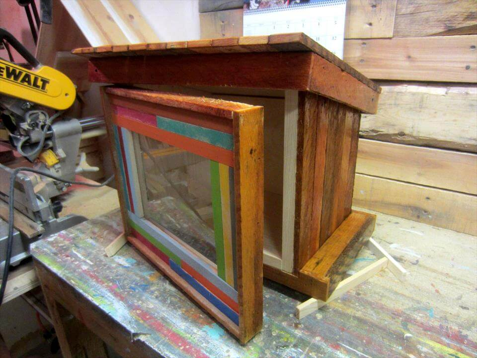 no-cost wooden pallet mail box