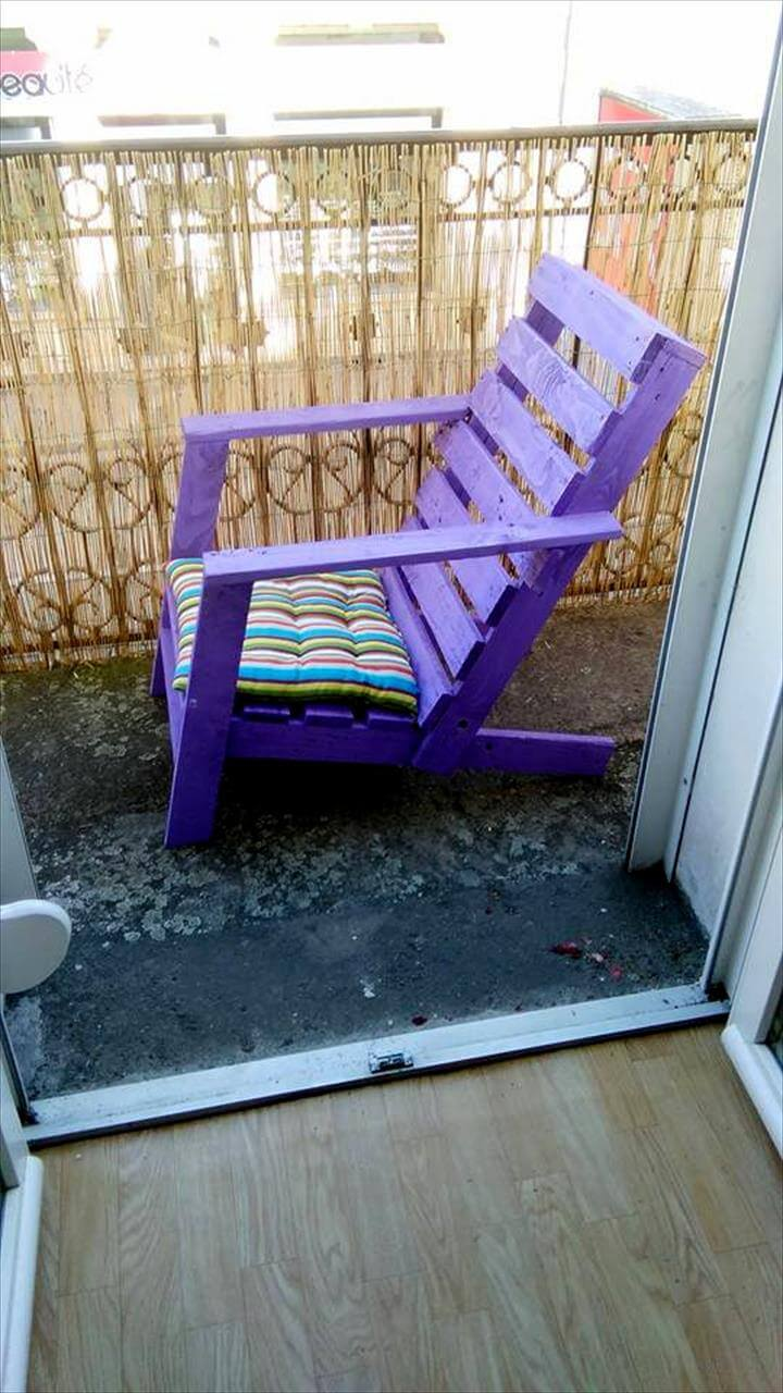 painted pallet garden chair with cushion