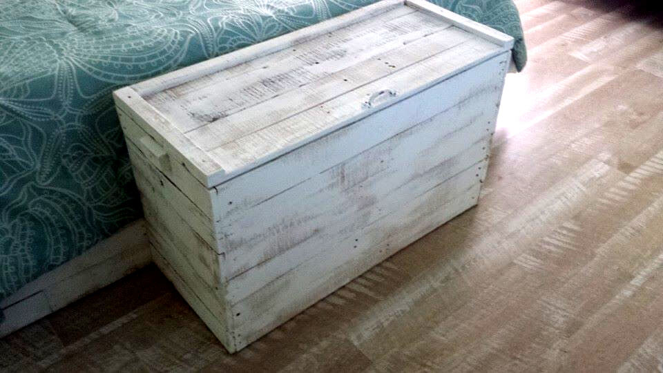 white washed pallet bedroom end chest