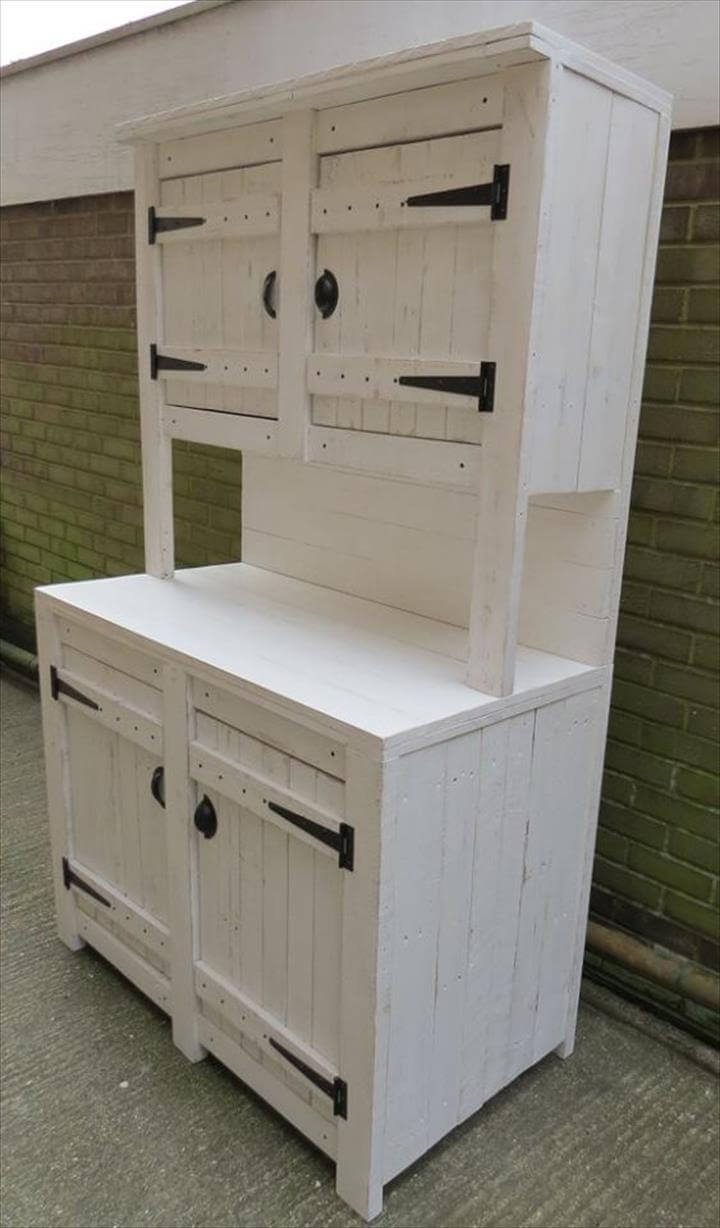 Recycled pallet kitchen cabinet unit