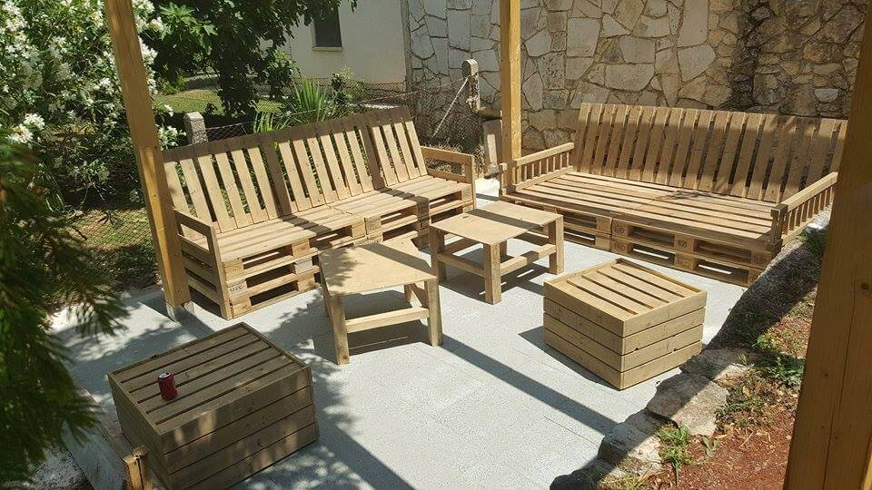 Sturdy Low Cost Wooden Pallet Sitting Set