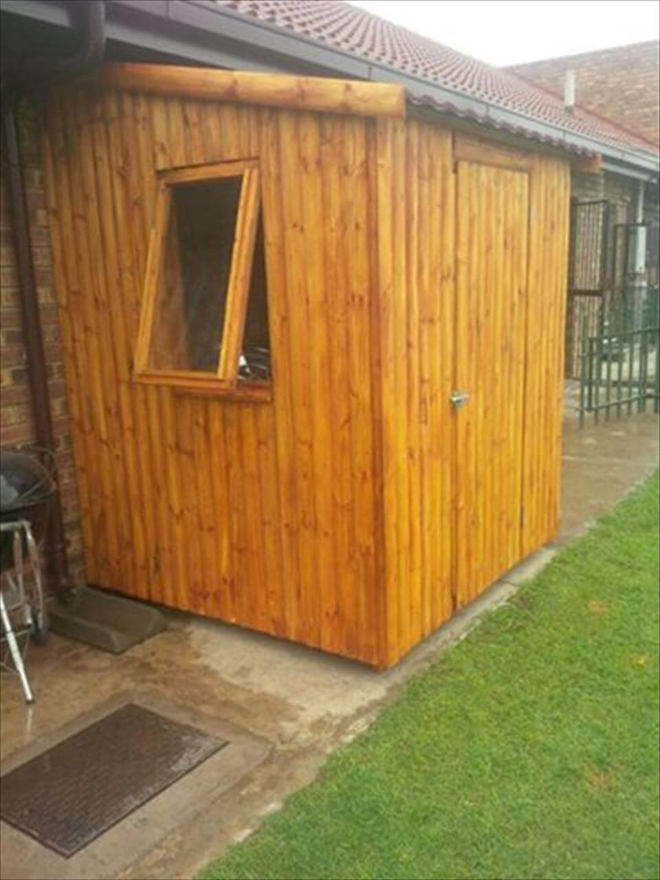 Wooden Pallet Tool Shed 99 Pallets