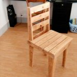 DIY Pallet Kids Chairs