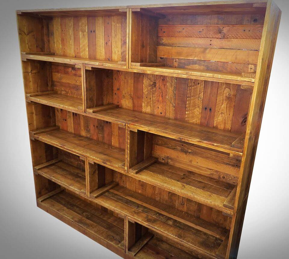 Antique pallet bookcase built in crate style