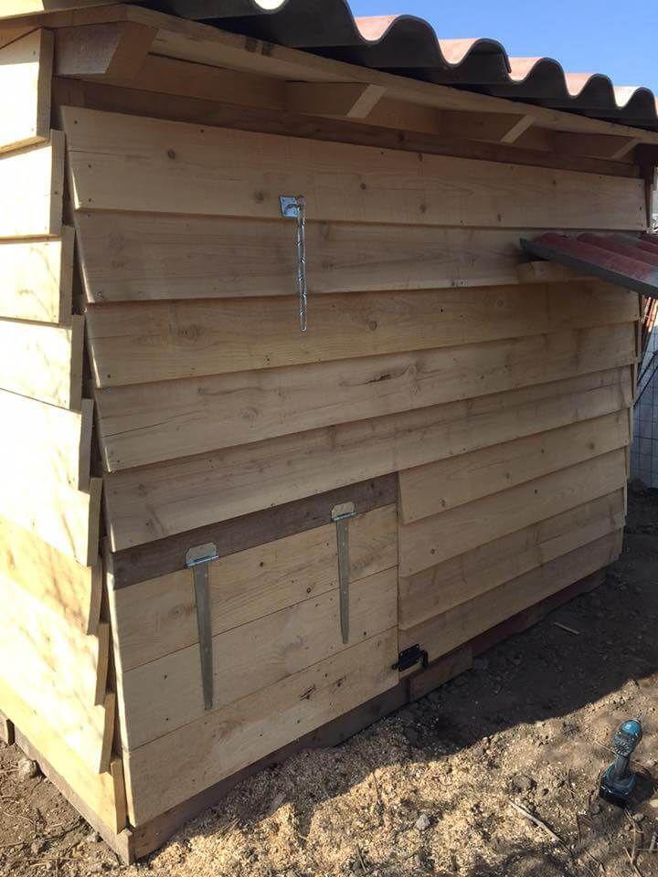 no-cost pallet chicken coop