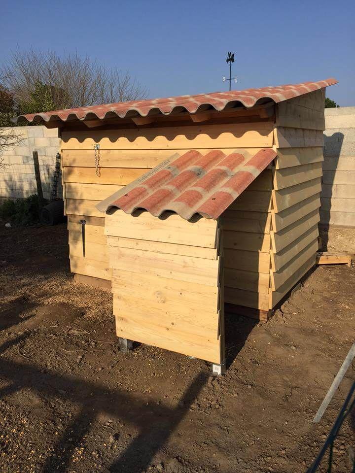 handmade pallet chicken coop
