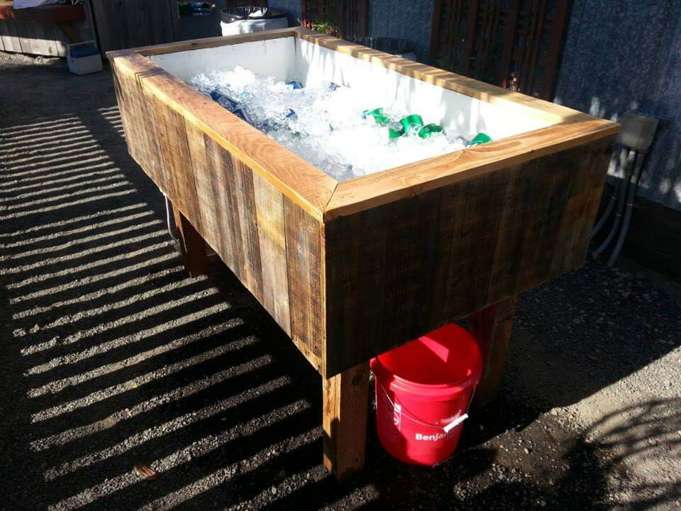 low-cost pallet outdoor ice chest