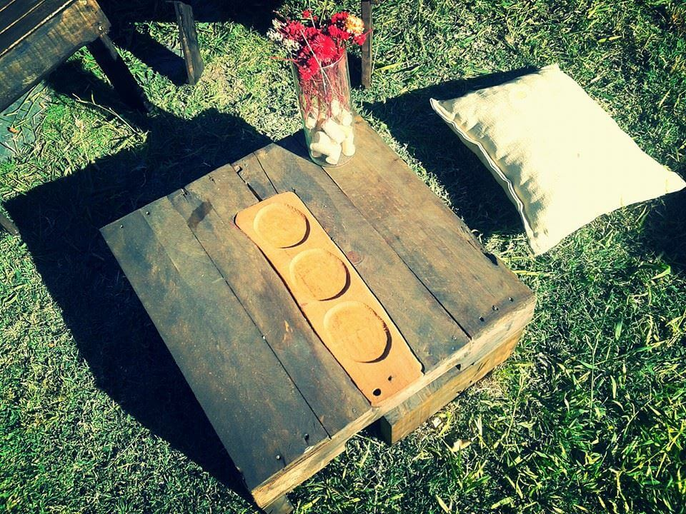 super rustic wooden pallet low coffee table