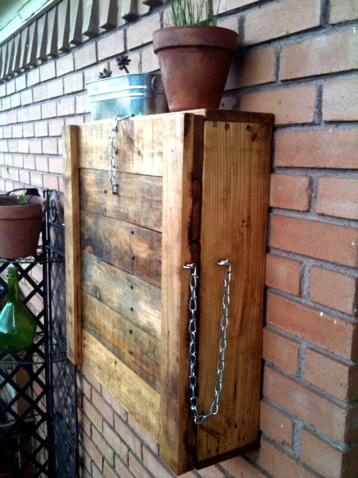 Fold-able Pallet Outdoor Bar | 99 Pallets