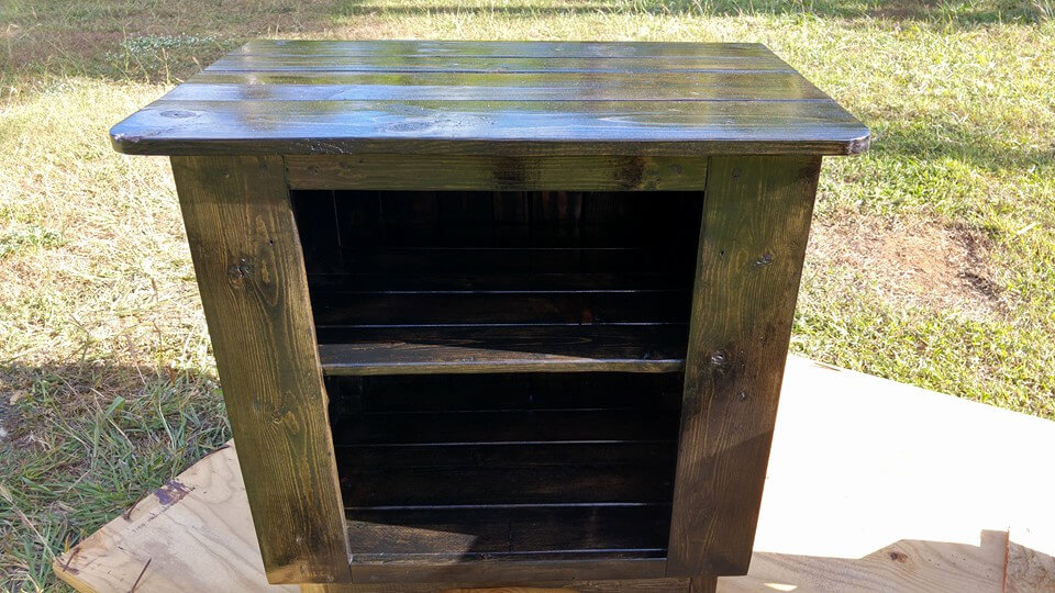 recycled pallet side table or nightstand