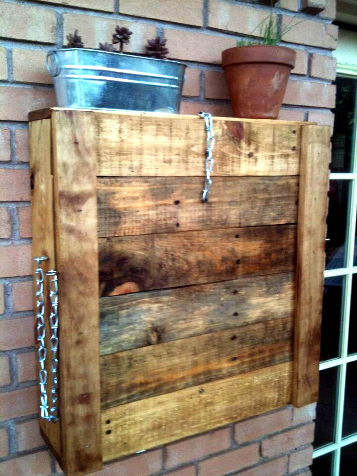 pallet outdoor wall mounted bar