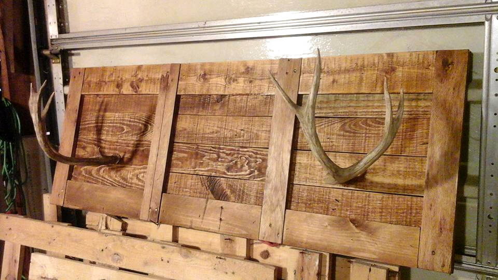 regained pallet and antler coat rack