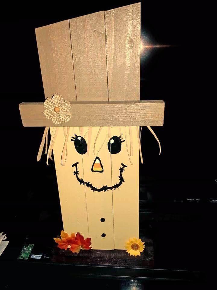 wooden pallet Halloween goblin