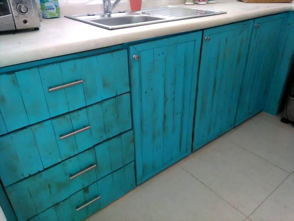 Pallet kitchen cabinets and drawers 99 pallets for Building your own kitchen cabinets cost