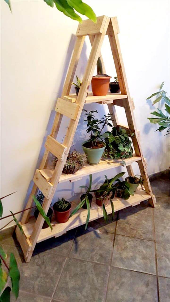 pallet ladder shelf for planters 99 pallets. Black Bedroom Furniture Sets. Home Design Ideas
