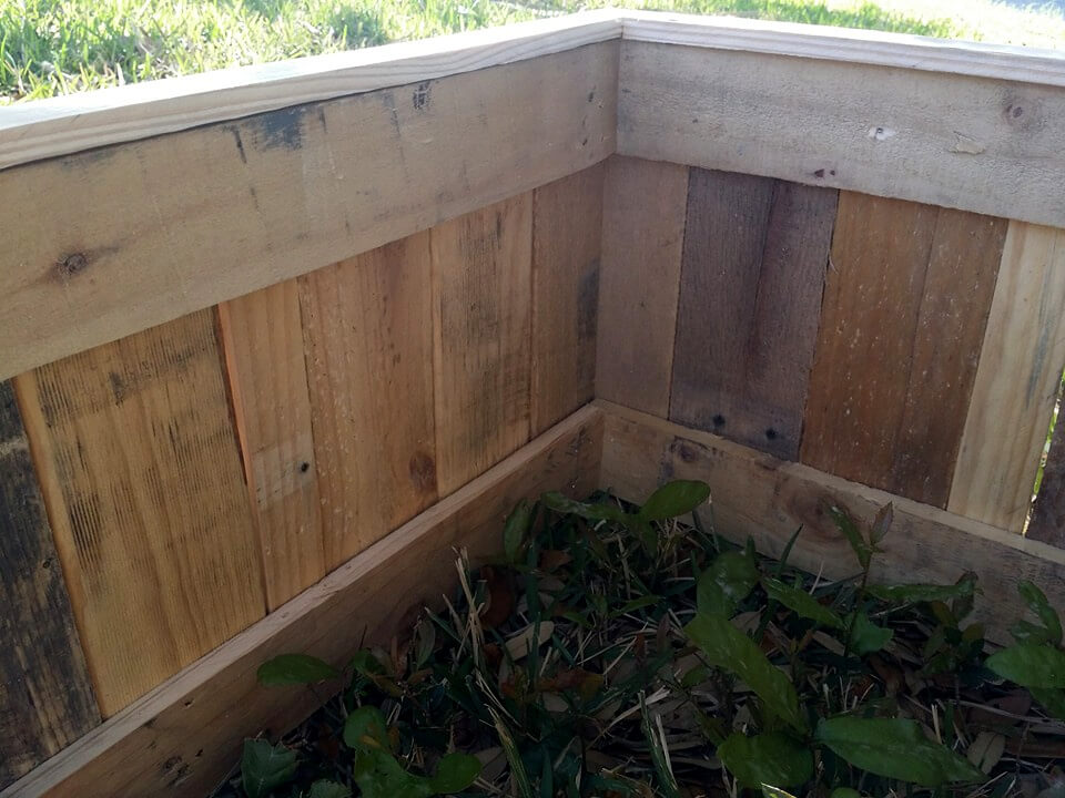 recycled pallet planter box or raised bed